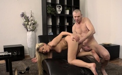 VIP4K. Claudia supposed to clean the house but gets old cock