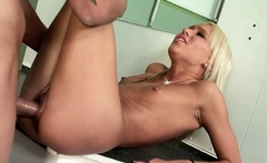 Dad Caught Skinny Step Daughter Kacey and Seduce to Fuck